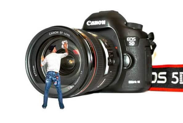 ¿Cómo hacer mantenimiento y limpieza a la cámara fotográfica?